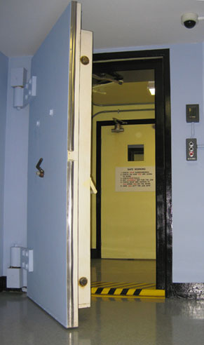 Charmant Bunker Data Center Door